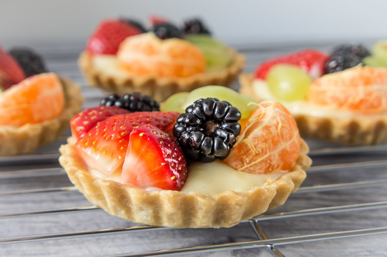 Fruit tartlets recipe daily gourmet for Shortcrust pastry ingredients